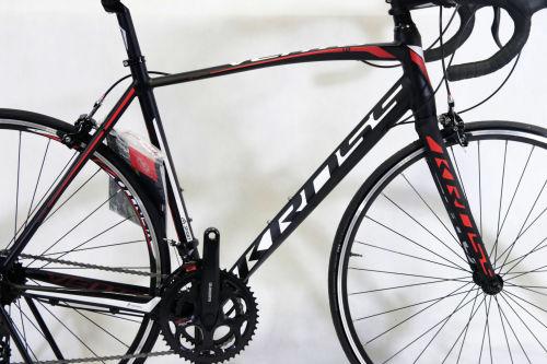 """Rower Kross Vento 1.0 M 28"""" czarno-biało-czerwony"""